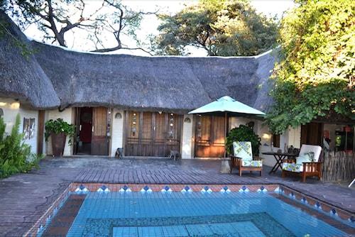 Caprivi Houseboat Safari Lodge, Sesheke