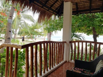 Evolution Dive and Beach Resort Cebu Terrace/Patio