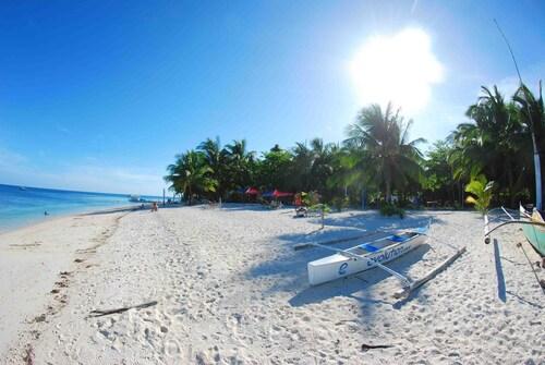 . Evolution Dive and Beach Resort