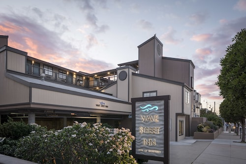 Wave Street Inn,Monterey
