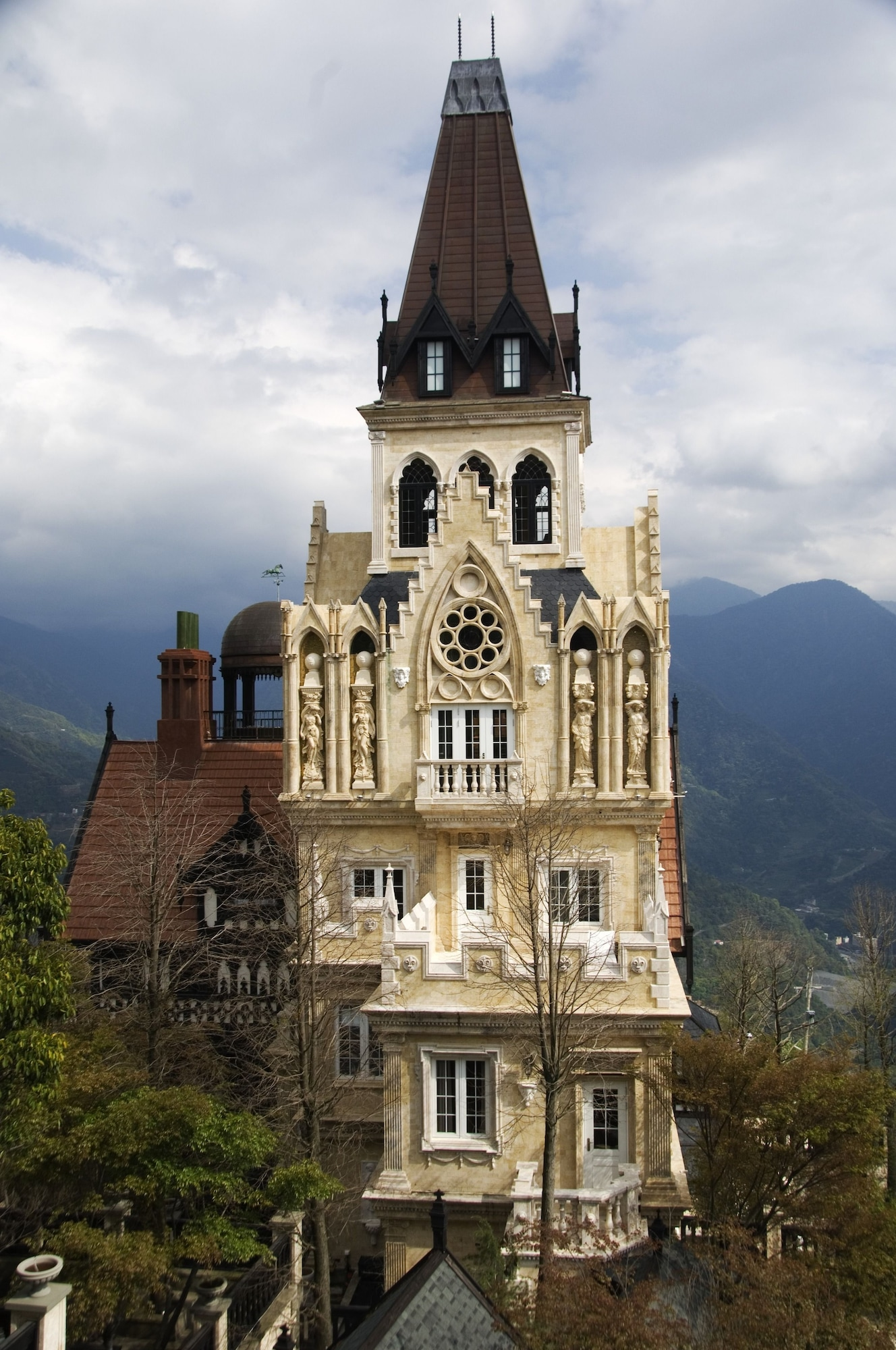 The Old England Manor, Nantou