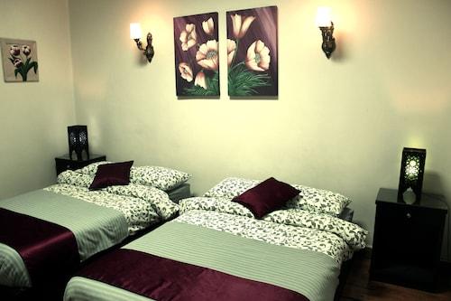 Cairo International Hostel, Qasr an-Nil