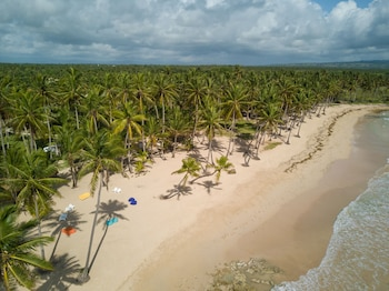 Baoba Beach Vacation