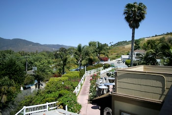 Hotel - Malibu Country Inn