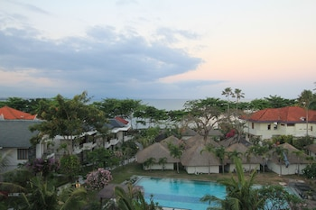 Hotel - Alit Beach Resort and Villas