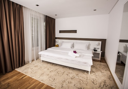 . Prestige Hotel Tirana