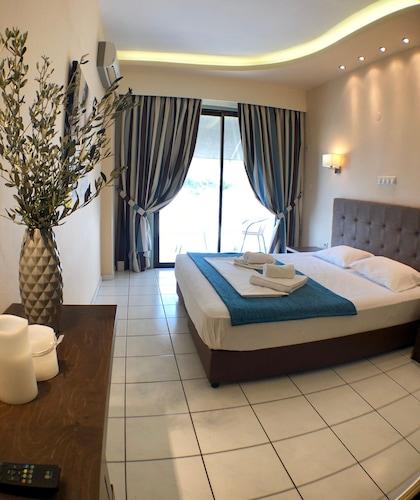 . Oleander Apartments