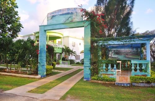 Mom's Village Resort