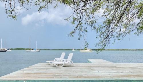 . Vistalmar Ocean Suites