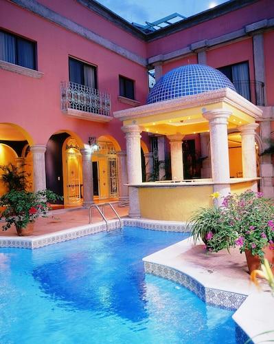 Hotel Portal del Angel, Distrito Central