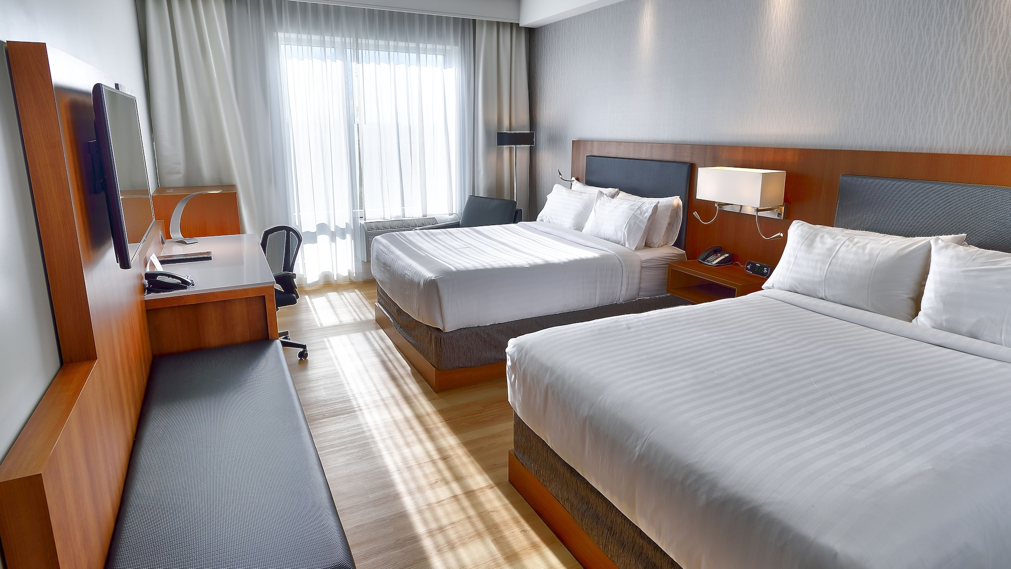 Holiday Inn Express & Suites Vaudreuil, Vaudreuil-Soulanges