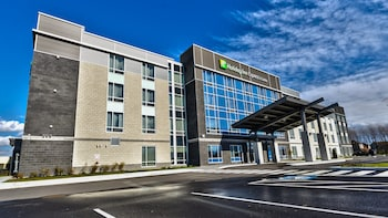Hotel - Holiday Inn Express & Suites Vaudreuil