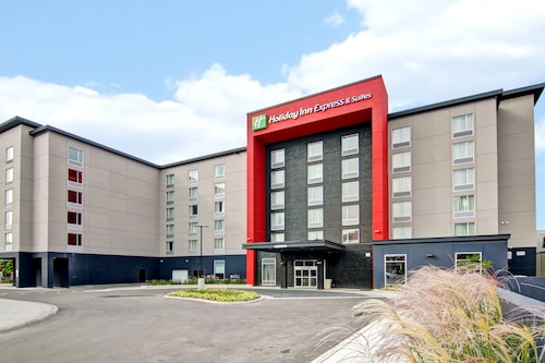 . Holiday Inn Express & Suites Oshawa Downtown - Toronto Area