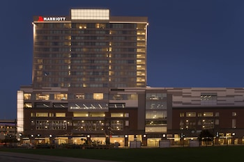 Buffalo Marriott Harborcenter photo