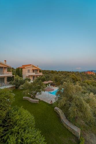 . Abelia Luxurious Villas