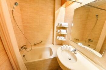 Hotel Tilun Dongpu Spa - Bathroom  - #0