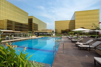 Nobu Hotel Manila Outdoor Pool