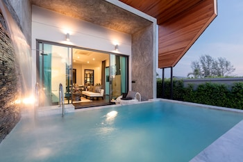 Hotel - The 8 Pool Villa