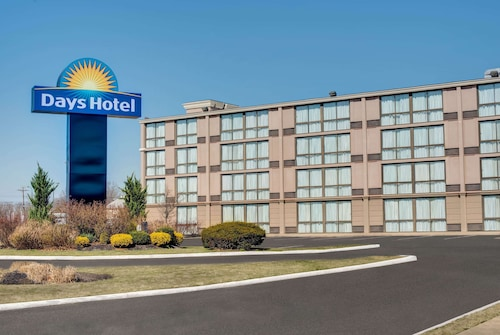 . Days Hotel by Wyndham Toms River Jersey Shore
