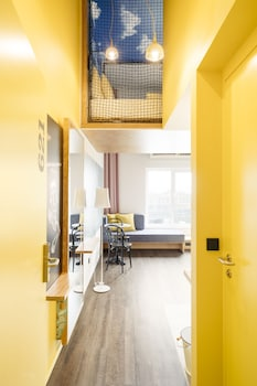 Smart Maisonette (with Loft Bed)
