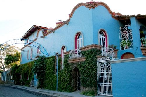 . Hotel La Nueva Posada