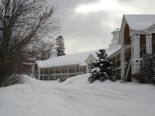 . Fairbanks Inn