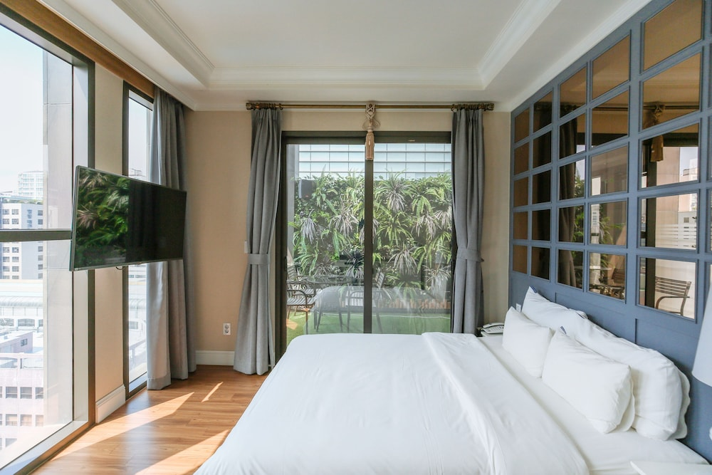 ホテル アッティ ソンス