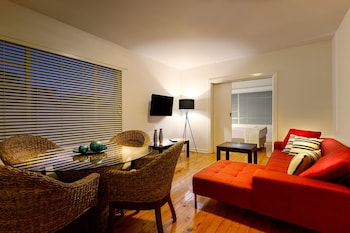 Crest on Barkly Serviced Apartments