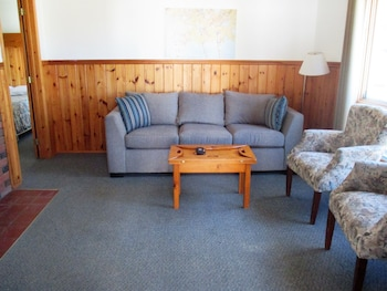 Standard Cottage, 2 Bedrooms, Fireplace, Lake View (Tally two)