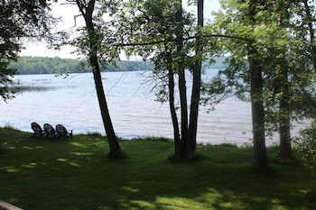 Standard Suite, 1 Bedroom, Fireplace, Lake View