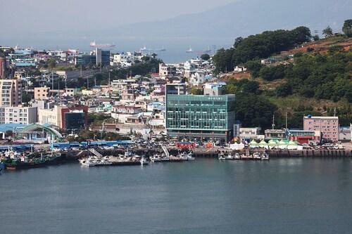 BEACH CONDO RESORT, Yeosu