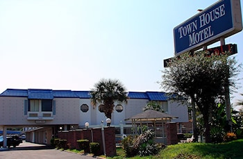 Town House Airport Motel