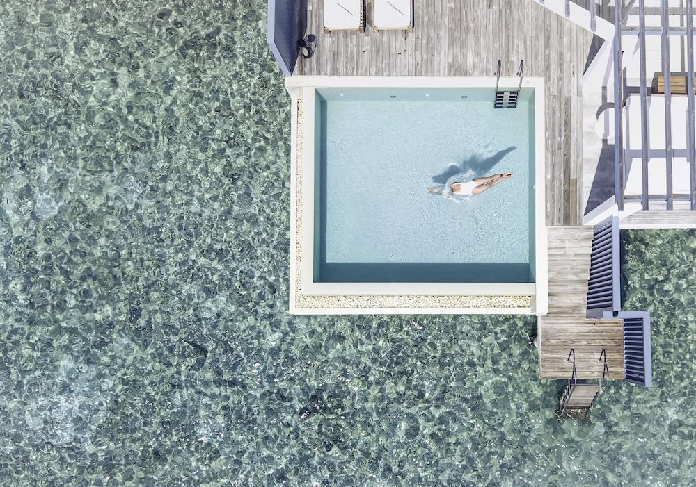 Lagoon Water Pool Villa