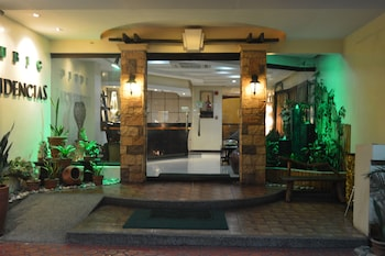 Subic Residencias Interior Entrance