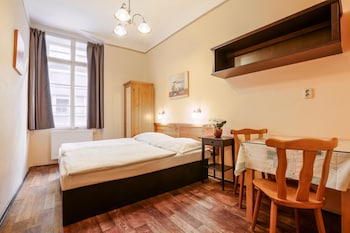 Economy Double or Twin Room, Shared Bathroom