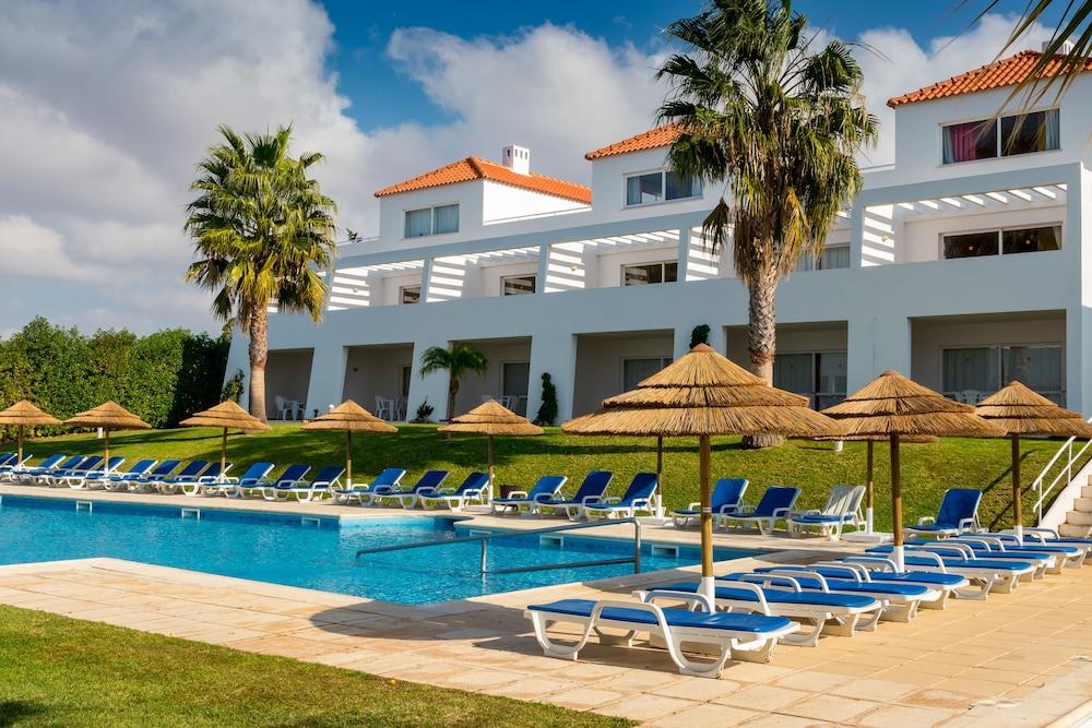 Apartamentos Turísticos Pateo Village, Featured Image