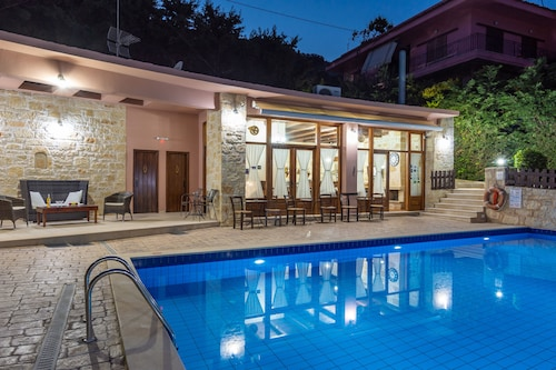 . Petronikolis Traditional House