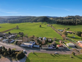 Mole Creek Guesthouse - Aerial View  - #0