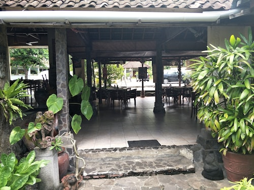 Temple Cafe & Seaside Cottages, Karangasem