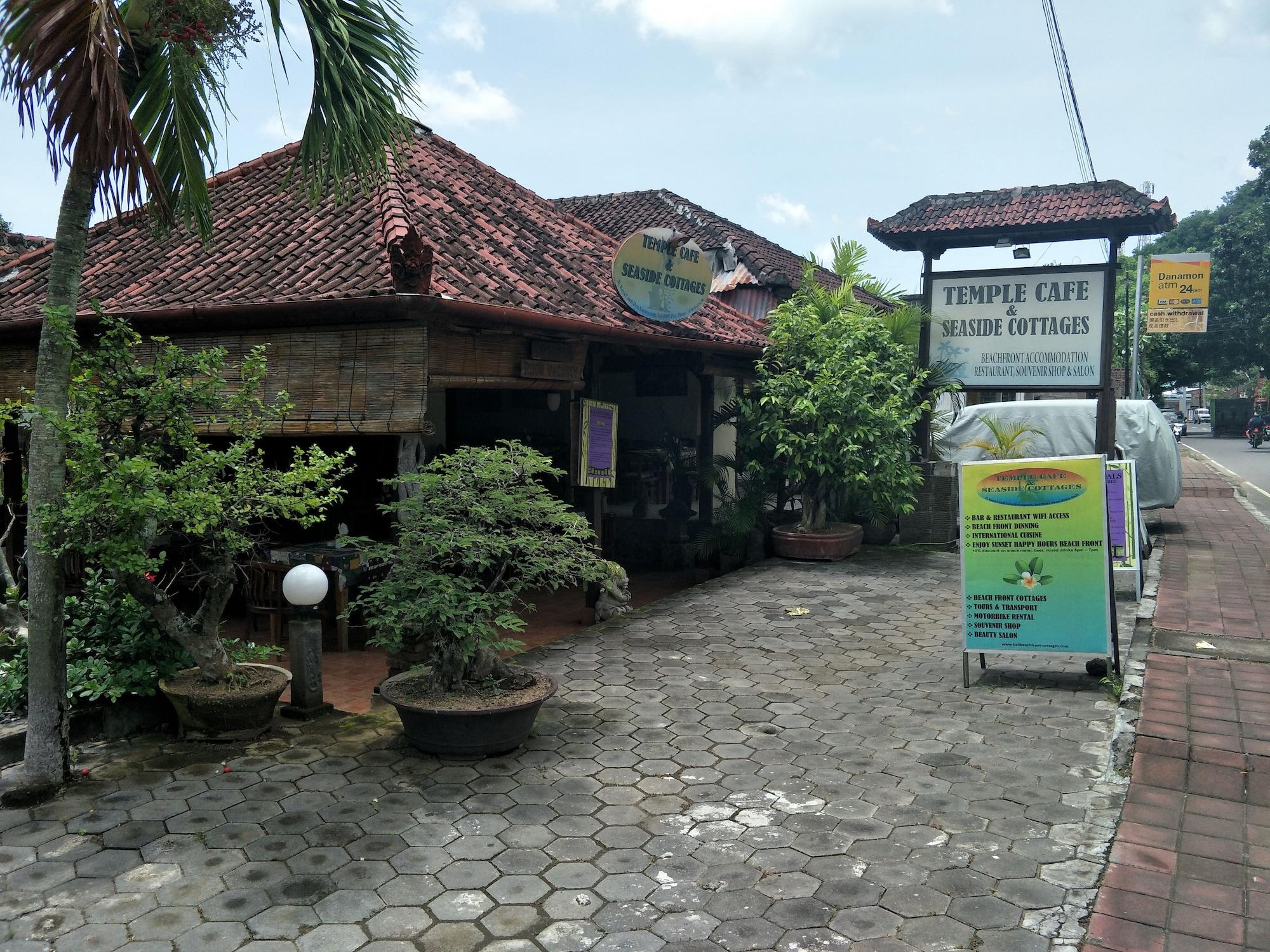 Temple Cafe & Seaside Cottages, Karangasem