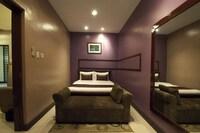 Hotel 878 Libis