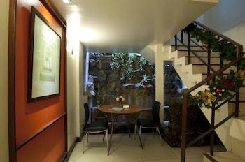 Hotel 878 Libis Interior Detail