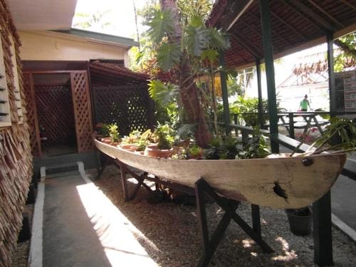 Agnes Gateway Hotel, Munda