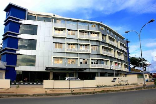 . Marina Mamberamo Hotel