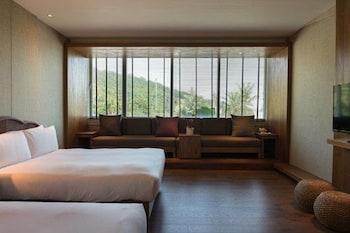 シーズーワン サンセット ビーチ リゾート (西子灣沙灘會館)