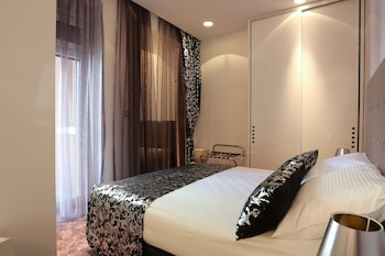 Deluxe Suite with Spa bath and balcony - Sinjska 2