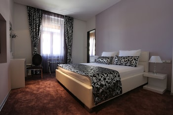 Superior Double Room - Sinjska 2