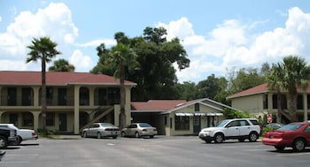 Orange City Motel
