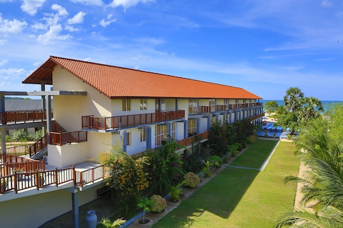 . Marina Beach Passikudah
