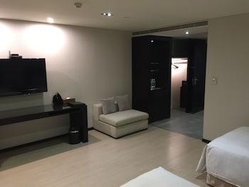シーズーワン ホテル ラブ リバー (西子灣大飯店愛河館)